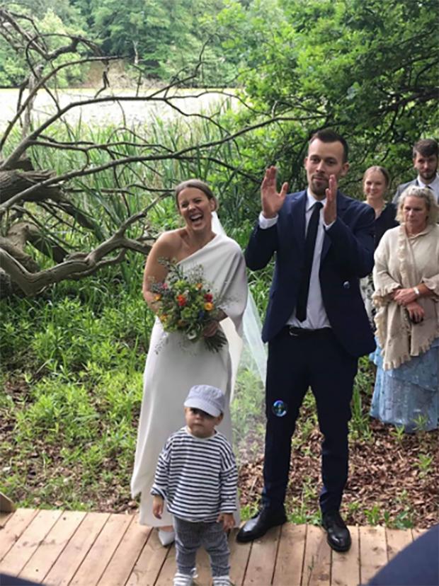 Anders Skaarup Rasmussen and his wife during the wedding ceremony. (photo: Anders Skaarup Rasmussen's Instagram)