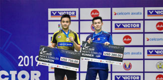 Soong Joo Ven (L) and Cheam June Wei pose for picture during the awards ceremony. I am really curious who can really survive with that kind of prize money? (photo: BAM)