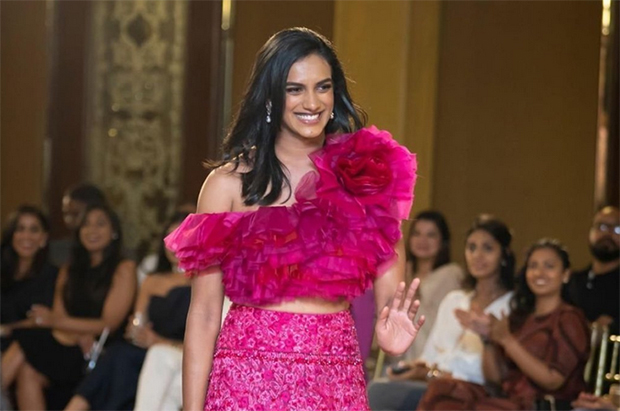 Pv Sindhu Showcases Clothes From Indian Fashion Designers Badmintonplanet Com