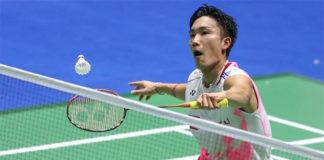 Kento Momota shows strong mental strength to beat Chen Long in the China Open semi-final. (photo: Xinhua)