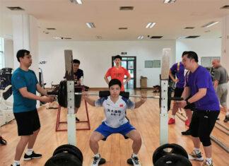 Shi Yuqi is doing a leg workout. (photo: Xinhua)