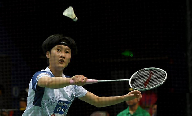 Chen Yufei beats Gao Fangjie on day one of the 2020 China Badminton Super League (CBSL). (photo: Chinanews)