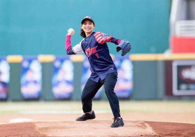 Tai Tzu Ying enjoys being a baseball pitcher.(photo: Red Bull)