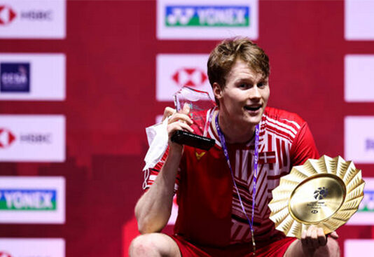 Anders Antonsen wins the 2020 BWF World Tour Finals. (photo: Shi Tang/Getty Images)