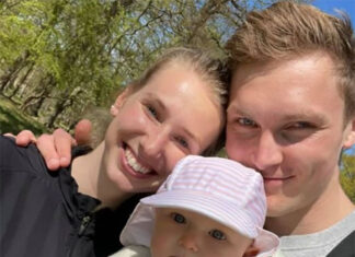 Sweet photo of Victor Axelsen, his girlfriend and his baby daughter. (photo: Viktor Axelsen's Facebook)