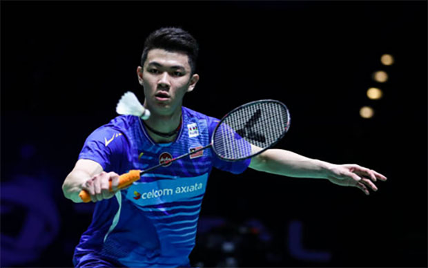 Lee Zii Jia and Kento Momota are set on a collision course in the quarter-finals of the 2021 Singapore Open. (photo: Shi Tang/Getty Images)