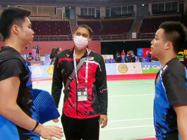 Soh Wooi Yik (L), Flandy Limpele (M), and Aaron Chia are busy preparing for the Tokyo Olympics.