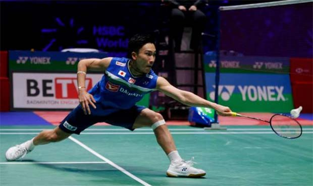 Kento Momota needs to arrive in Malaysia next week if he wants to compete at the Malaysia Open. (photo: AFP)