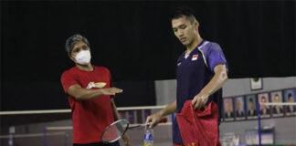 Jonatan Christie (R) is training hard before the Tokyo Olympics. (photo: PBSI)