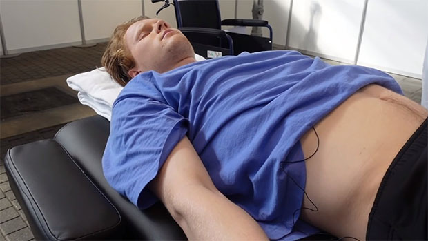 Anders Antonsen fainted after receiving the COVID-19 vaccine from Pfizer. (photo: Anders Antonsen's YouTube)
