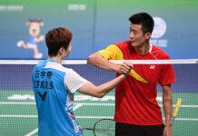 Chen Long greets Shi Yuqi after the men's singles semi-final match at China's 14th National Games. (photo: Weibo)