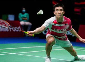 Kantaphon Wangcharoen plays some extraordinary badminton to beat Anthony Sinisuka Ginting at the 2020 Thomas Cup Finals on Monday. (photo: Shi Tang/Getty Images)